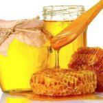 Мед повышает или понижает давление человека?
